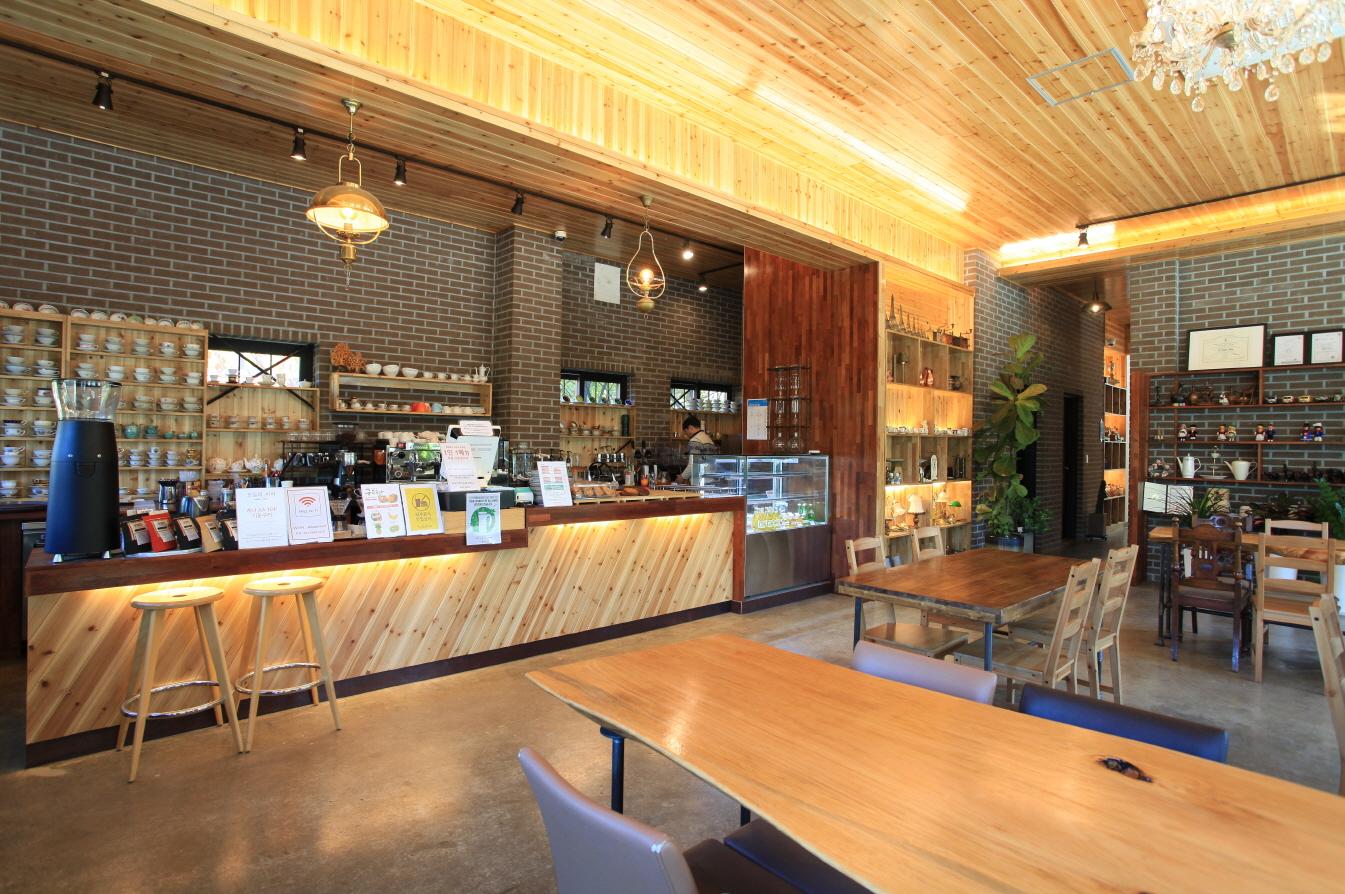 커피공장 &앨리스오븐 사진1