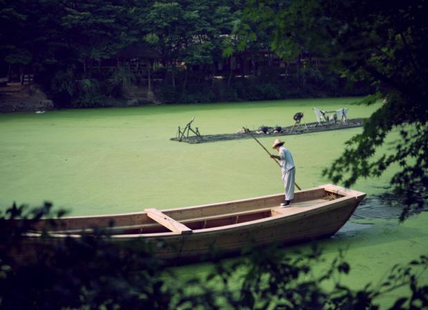 배를 타는 모습