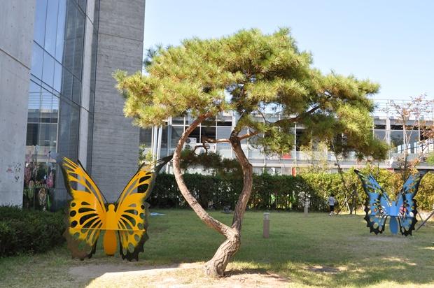 나비 조형물