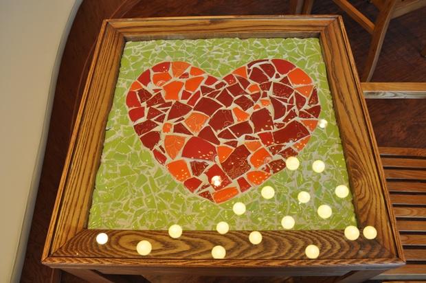 도자기로 만든 탁자의 모습