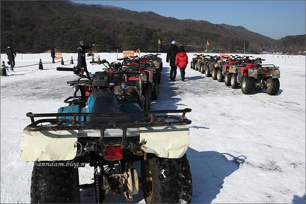 어른용 ATV들의 모습