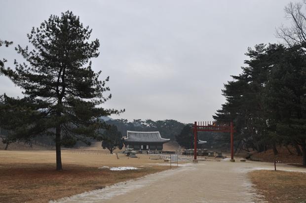 홍릉 전경의 모습