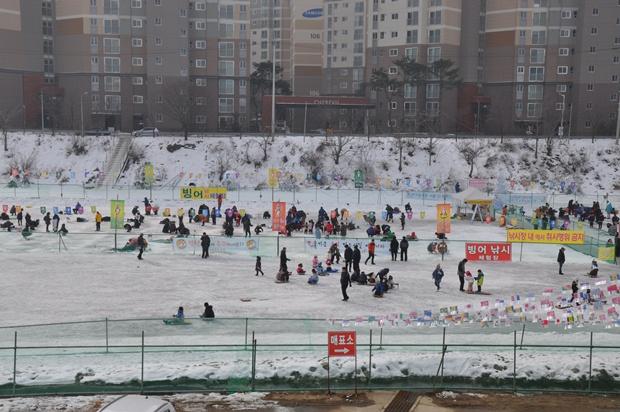 청평눈썰매빙어축제의 전경 모습