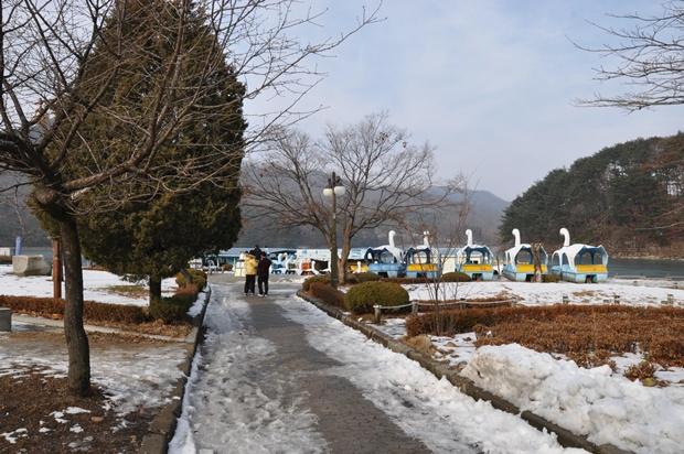 호수공원 오리배 탑승장의 모습