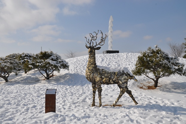 사슴은 리바이벌 벅(정의지 작, 2012)