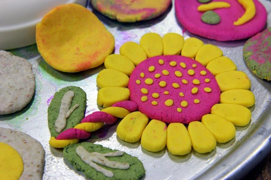 반죽으로 만든 해바라기의 모습
