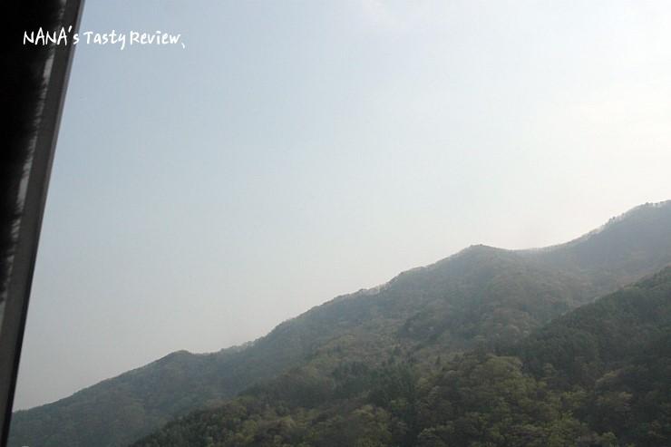 피오레 룸에서 바라 본 산의 모습