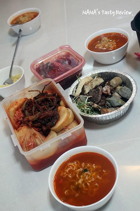 라면과 김치등 각종 음식