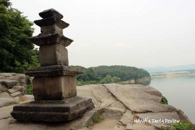 신륵사 삼층석탑