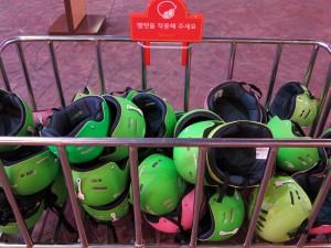 모아놓은 헬멧들