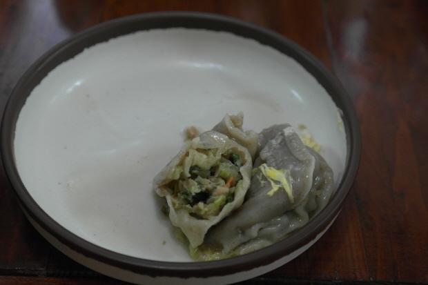꿩메밀 만두의 만두속의 모습