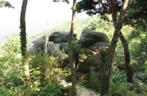 설봉산삼형제바위