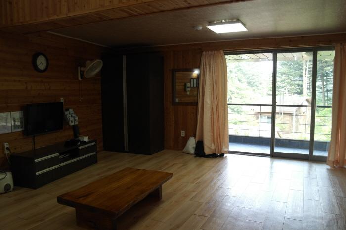 굴참나무 방