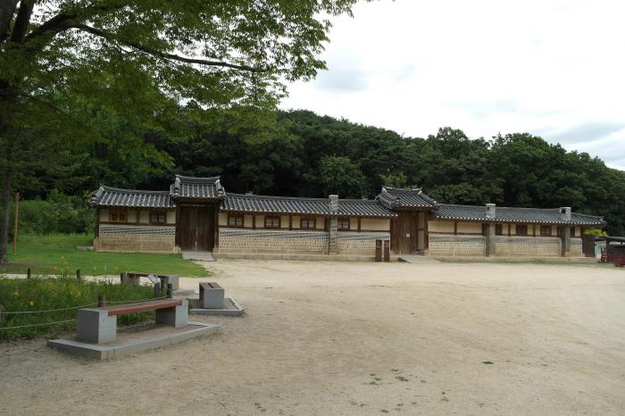 동구릉 재실