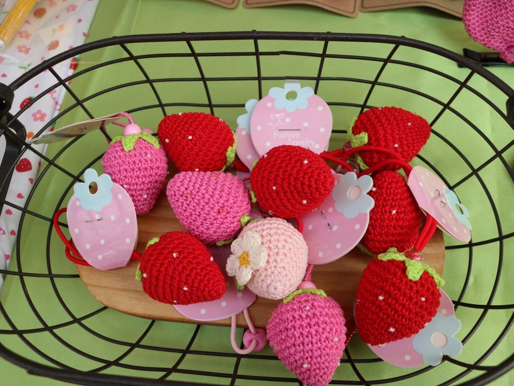 딸기 모양의 소품