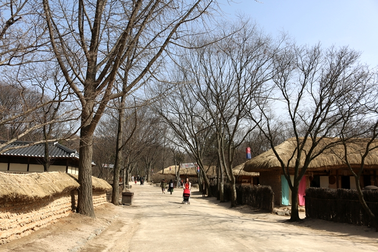 민속촌의 거리