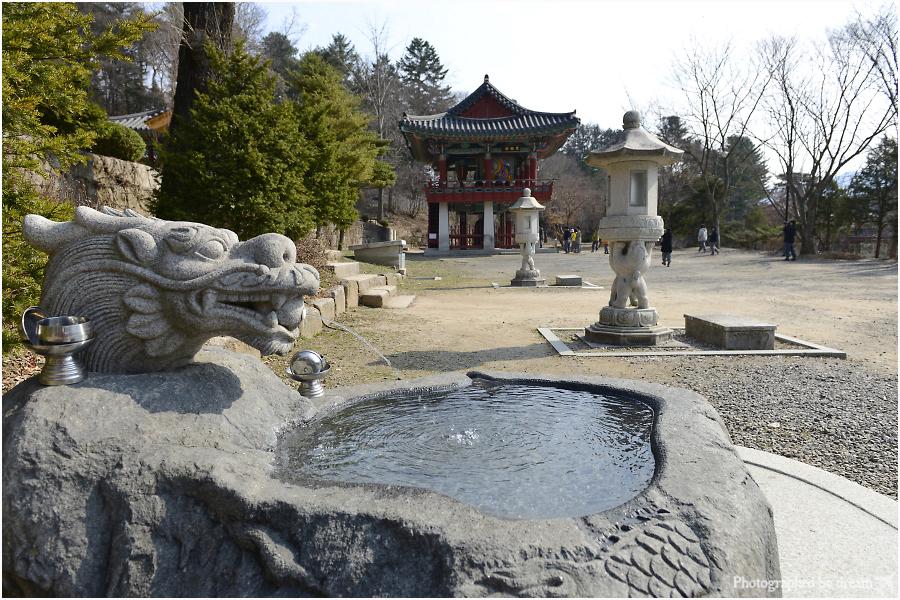 절의 다양한 구조물들