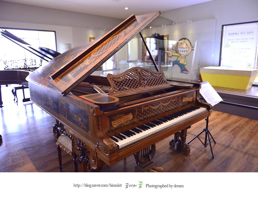 피아노 사진