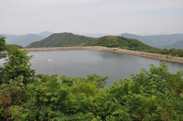 홍보관에서 바라본 호수