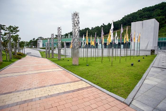 민주화운동기념공원023