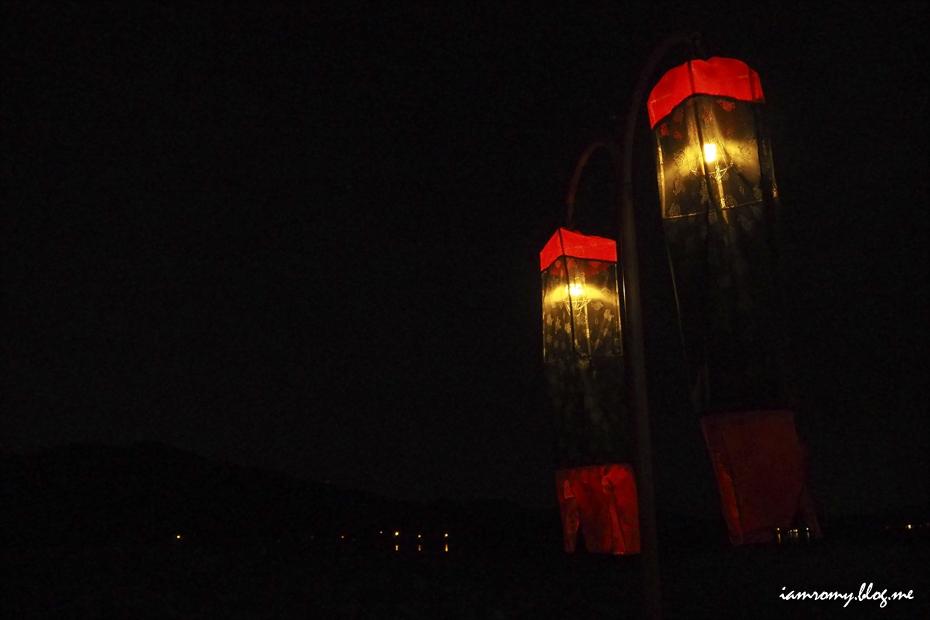 밤을 밝히는 등불들