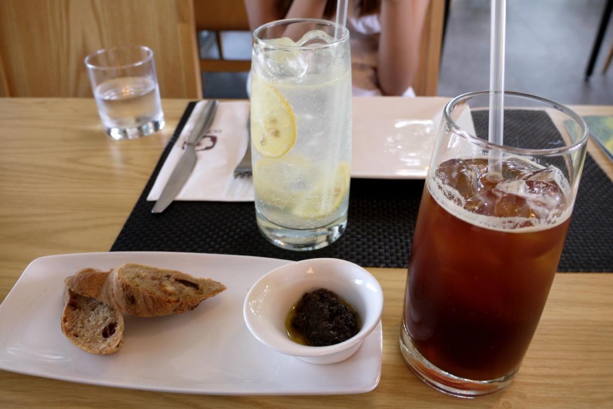 레모네이드, 아이스아메리카노, 식전빵