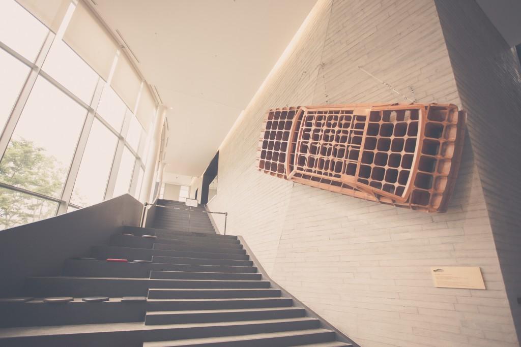 전시홀 계단 모습