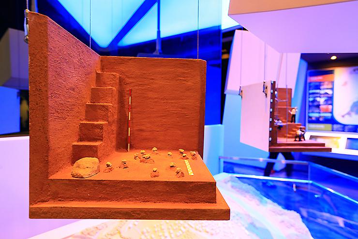 발굴지를 표현해 놓은 모형
