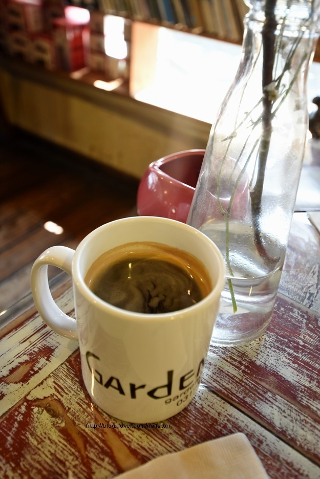 식후 커피 한잔