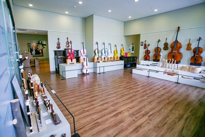 프라움악기박물관 전시관