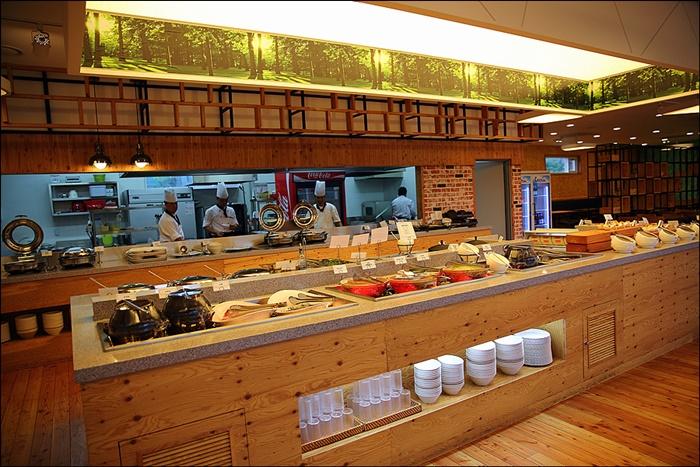 숲차림 식당 내부