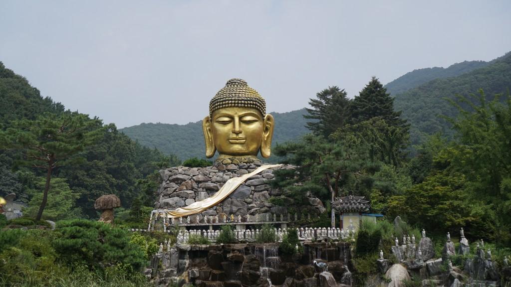 부처님 머리 모양의 불상(불두)