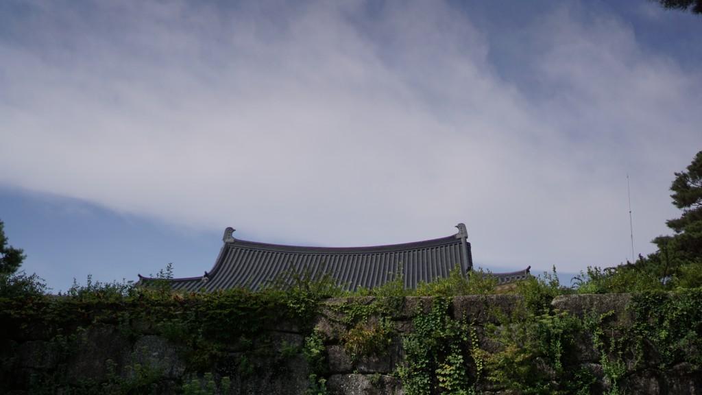 미술관의 지붕 모습