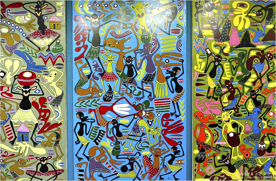 탄자니아의 작가 조지릴랑가가 그린 작품들