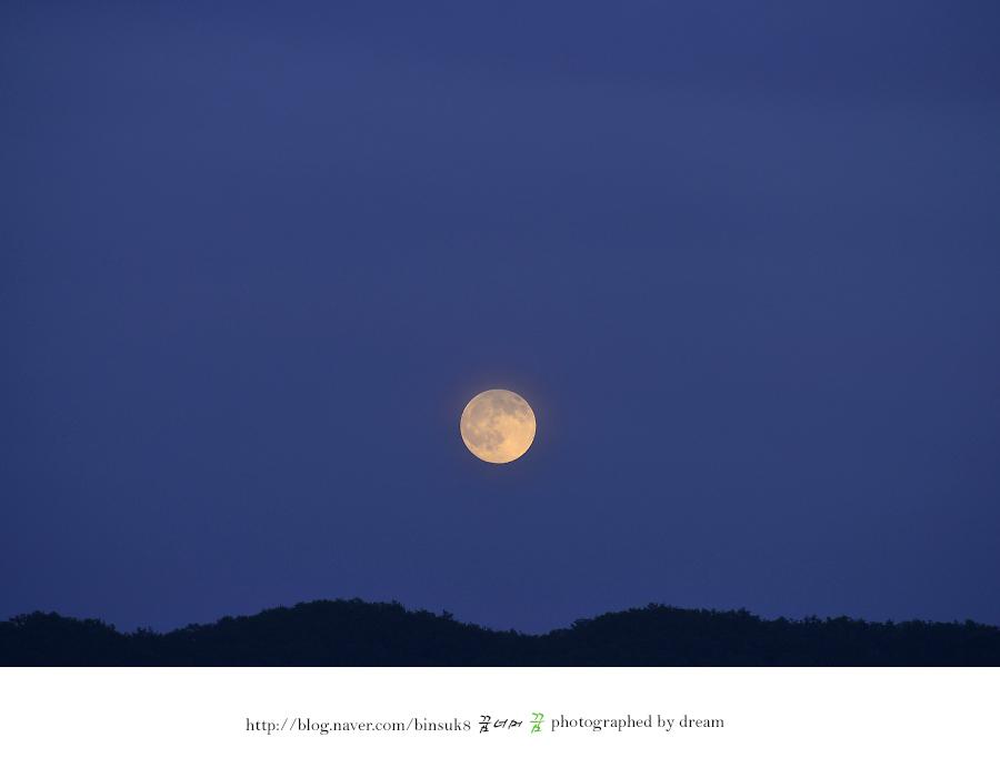 두물머리의 달