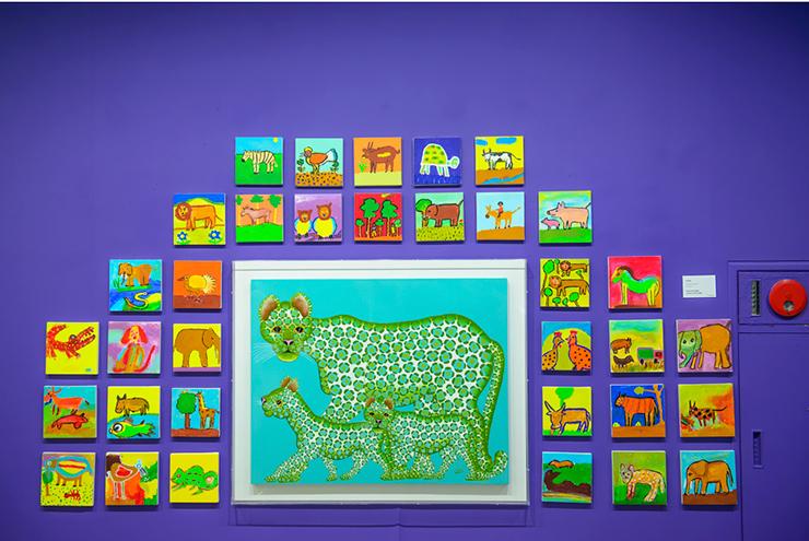 형형색색 화려한 색채로 표현된 동물들 그림