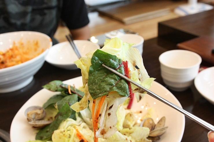 야채샐러드 한젓가락