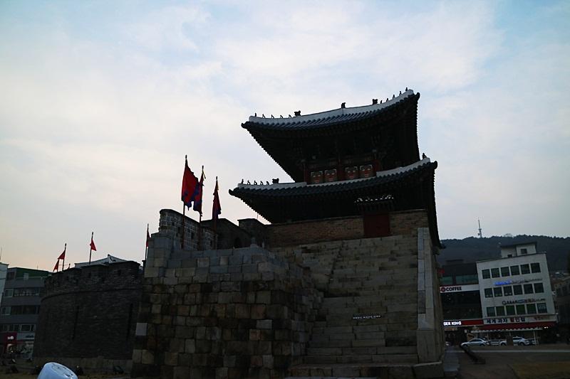 고이비토, 반품매장,신동태, 수원화성 659