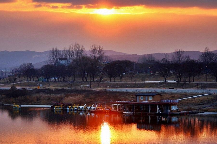일출 후 남한강 풍경