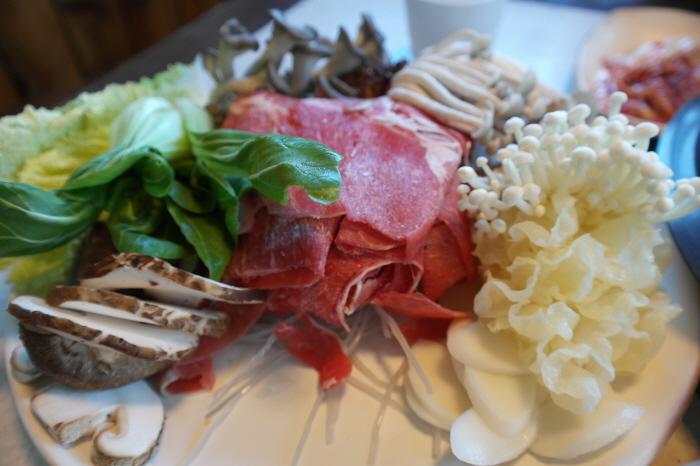 고기와 여러가지 야채들