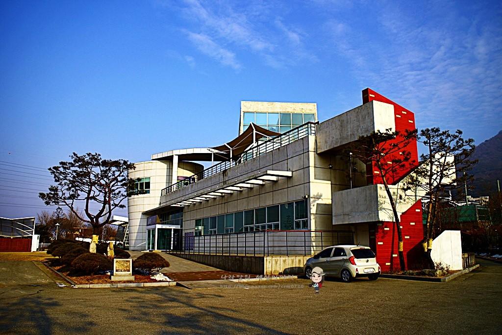 역사박물관 입구 전경