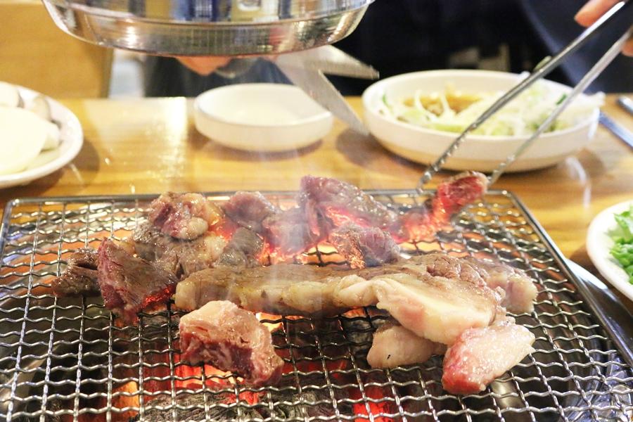 먹기 좋게 자른 고기