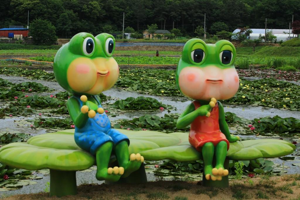 개구리 왕눈이 캐릭터 조형물
