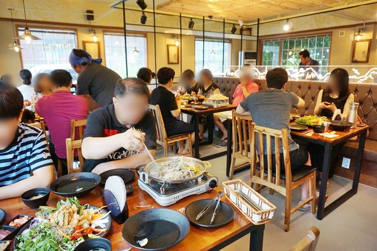 남한산성 돈까스 식당 내부 모습