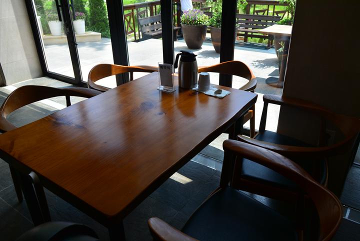 매장 내 테이블
