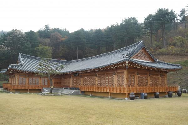 경기도 양평 가볼만한 곳 – 송백당, 청계산 숲속 전통 한옥에 예술의 향기가