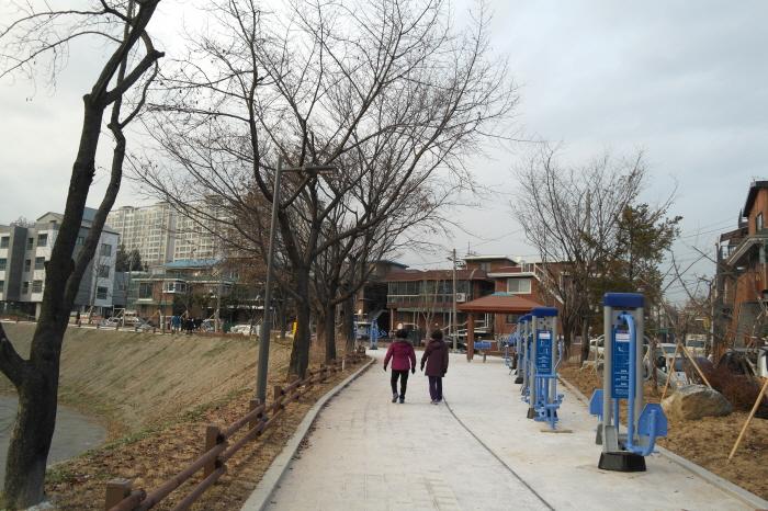 구리 이문안저수지공원