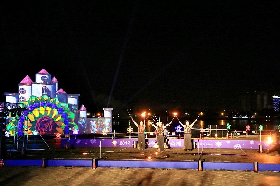축제장의 모습2
