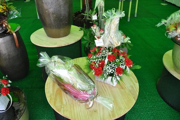 인삼과 같이 포장 된 꽃바구니