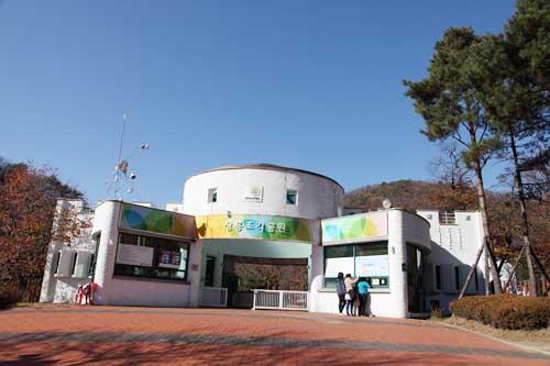 추억과 예술의 공존 장흥국민관광지